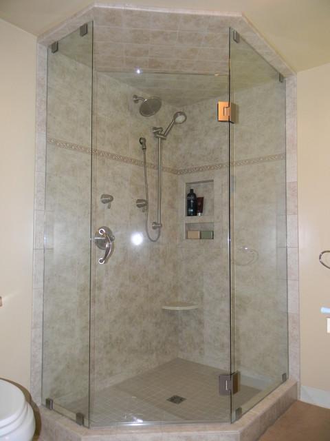 Дизайн плитки ванной комнаты с душевой кабиной